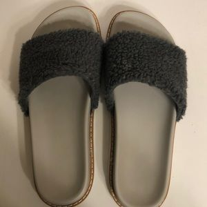TARGET FAUX FUR GRAY SLIDES; SIZE 8; USED